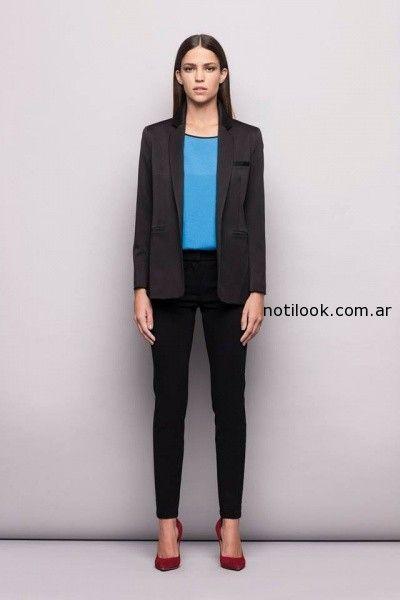 traje de mujer con pantalon chupin invierno 2014 Awada