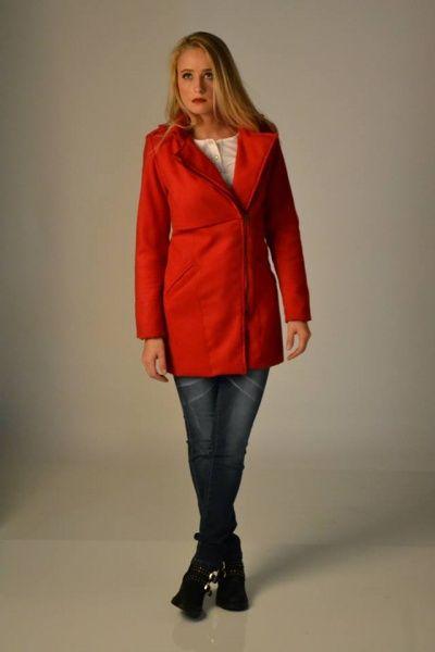 Jeans y tapado rojo AF jeans invierno 2014