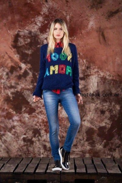sweater tejido con frases tejido invierno 2014 by Agustina Saquer