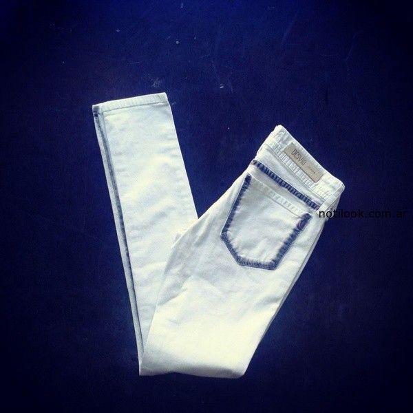 jeans blanco detalle azul Desvio invierno 2014