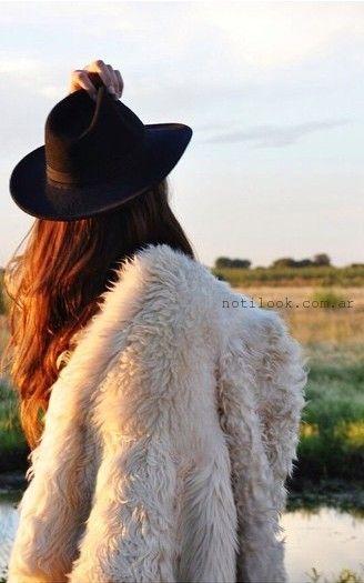 delaostia abrigos simil piel crudo otoño invierno 2015