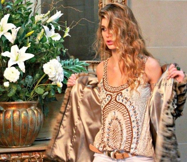 blusa bordada y tapado animal print Ossira invierno 2015