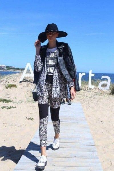 calza y saco en blanco y negro Kosiuko otoño invierno 2015
