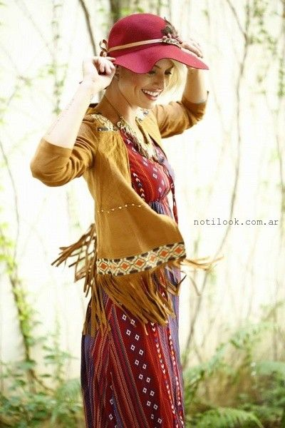 Vars Moda vestido estampado etnico con chaleco invierno 2016