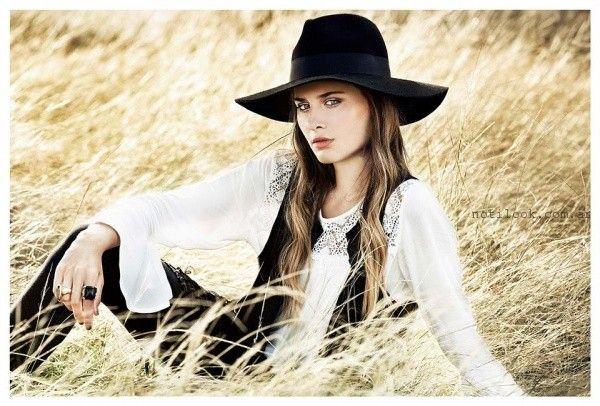 blusa mangas largas con broderie Sans Doute otoño invierno 2016