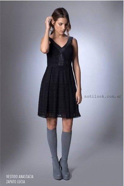 vestido corto de encaje negro  la cofradia invierno 2016