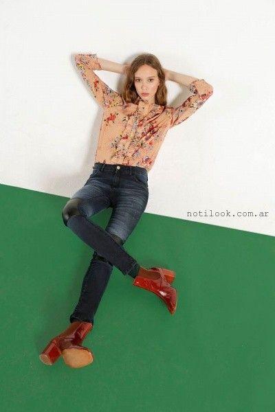 camisa estampada con jeans con parche en cuero rie invierno 2016