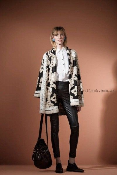 saco estilo capa Carmela Achaval invierno 2016