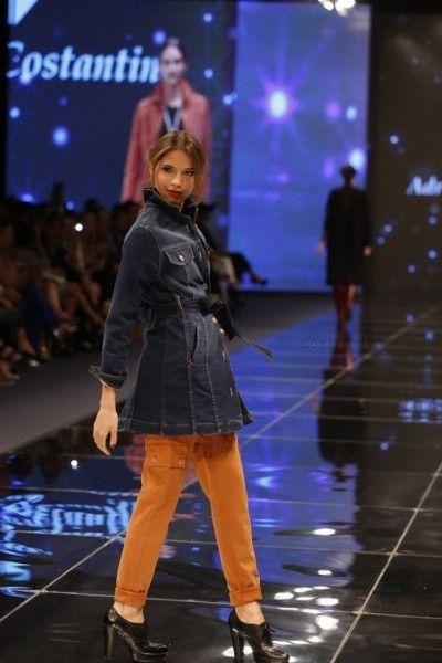 trench de jeans Adriana Costantini invierno 2016