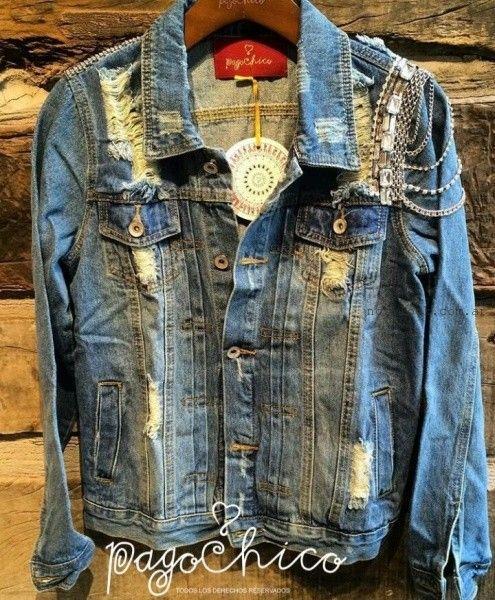 campera de jeans con roturas bordados y cadenas Pago chico invierno 2016