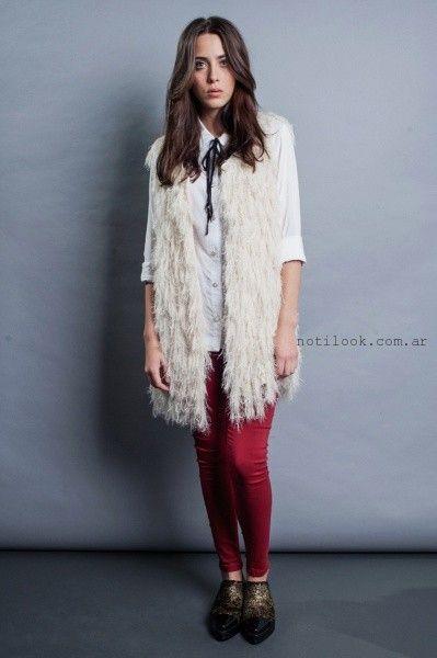 chaleco de piel sintetica y chupin rojo orix invierno 2016