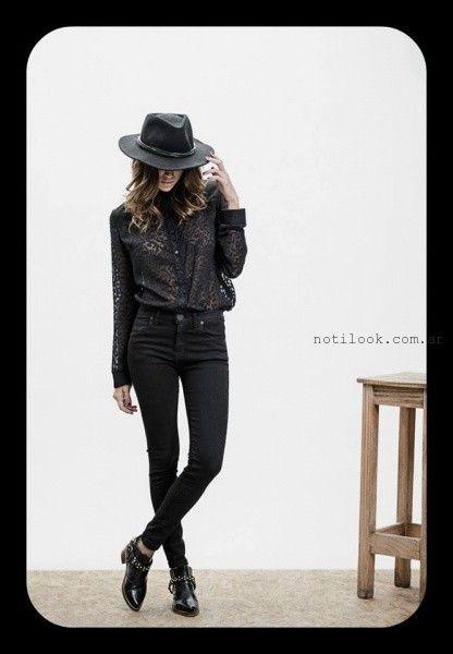 jeans negro y camisa de gasa con transparencias Oshum invierno 2016