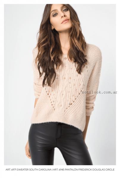 pantalon de cuero y sweaater bordado  Mab invierno 2016
