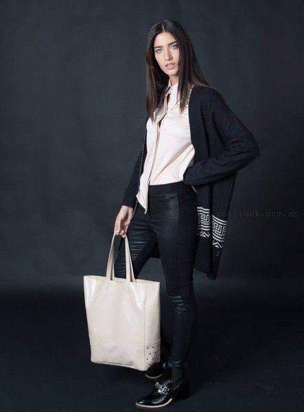Saco negro tejido Marcela Pagella invierno 2016