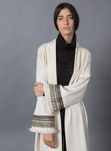 saco largo tejido y bordado Marcela Pagella invierno 2016