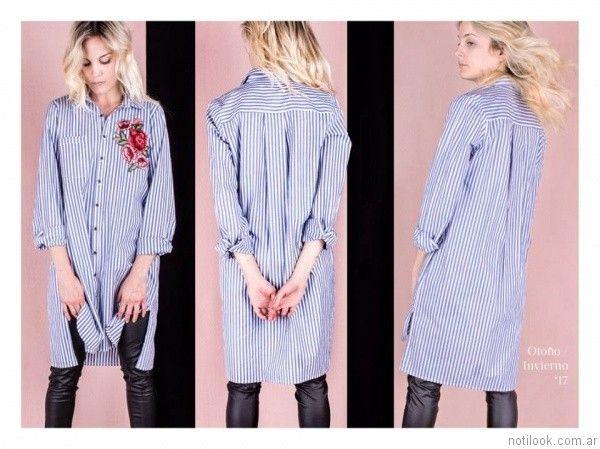 Camisa larga a rayas con bordado de flores combinada con pantalon simil cuero invierno 2017   Reina Ana