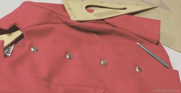 dm-sasteria-saco-rojo-cereza-invierno-2017