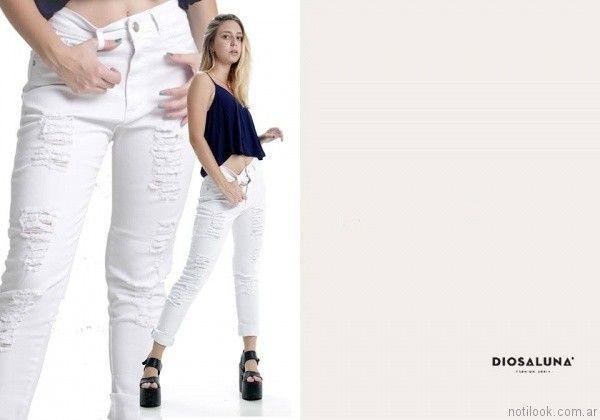 jeans blanco con roturas Diosa Luna otoño invierno 2017