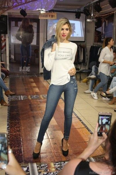 jeans bordado AF Jeans otoño invierno 2017