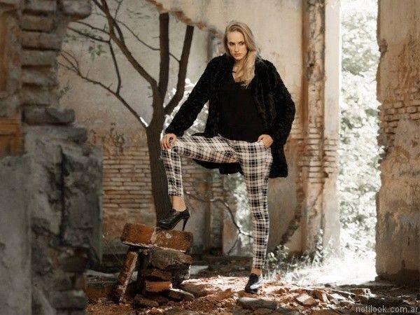 pantalon largo cuadrille y sao piel sintetica otoño invierno 2017 Julien