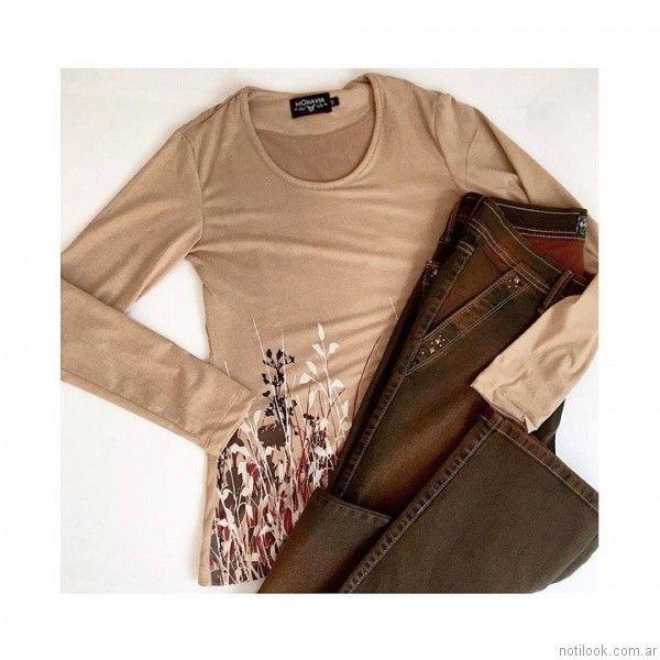 remeras con estampas y jeans de colores MOravia Jeans otoño invierno 2017