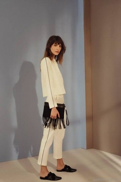 saco y pantalon blanco con linea negra otoño invierno 2017 - Cacharel