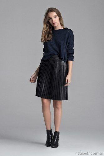 falda corta plisada Giesso mujer otoño invierno 2017