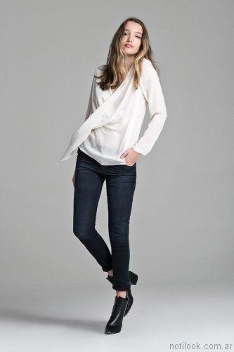 jeans Azul oscuro mujer y blusa blanca Giesso mujer otoño invierno 2017