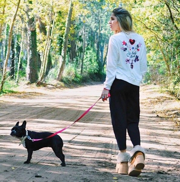 look sporty chic Velvet otoño invierno 2017