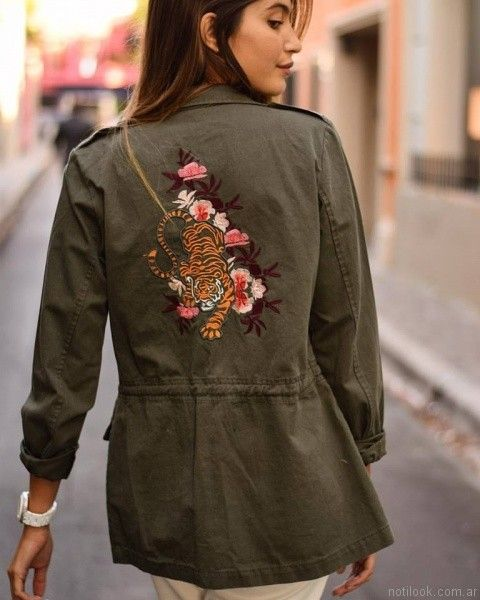 parka mujer bordada Velvet otoño invierno 2017