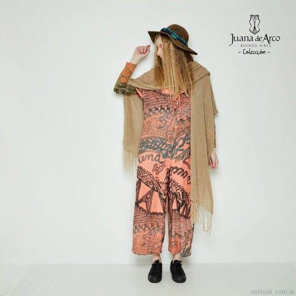 poncho con terminacion en flecos Juana de arco invierno 2017
