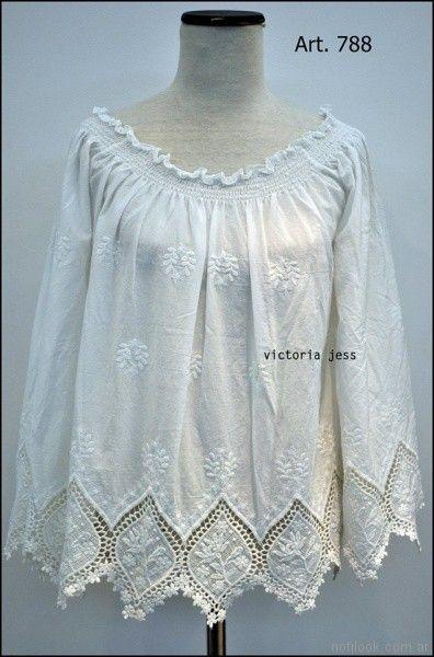 blusa blanca con guipur Victoria jess Primavera verano 2018