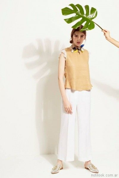 blusa musculosa con puntilla en mangas Carmela Achaval primavera verano 2018