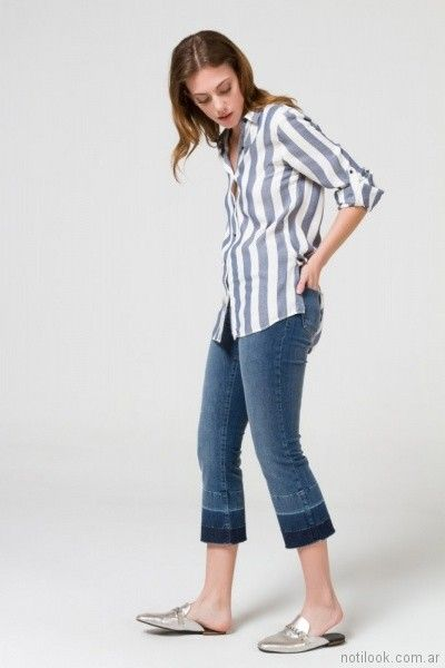camisa a rayas con jeans capri Desiderata primavera verano 2018