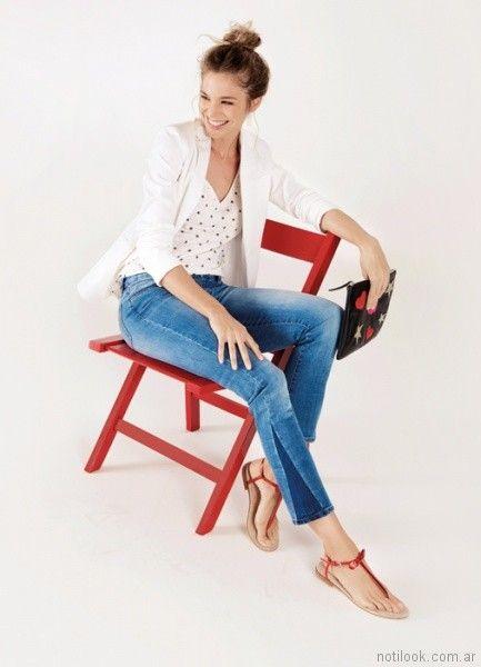 jeans con recortes y remera corazon Las Oreiro primavera verano 2018