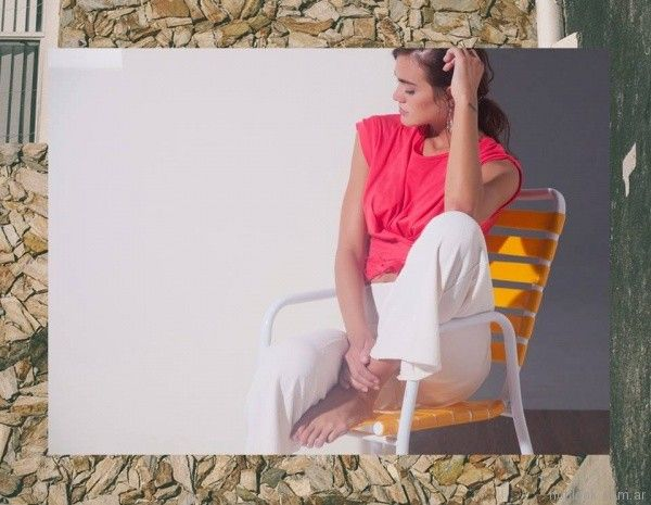 look con pantalon blanco Ossira verano 2018