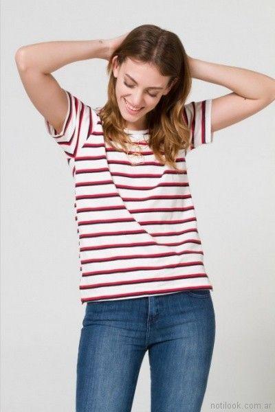 remera a rayas y jeans clasico elastizado Desiderata primavera verano 2018