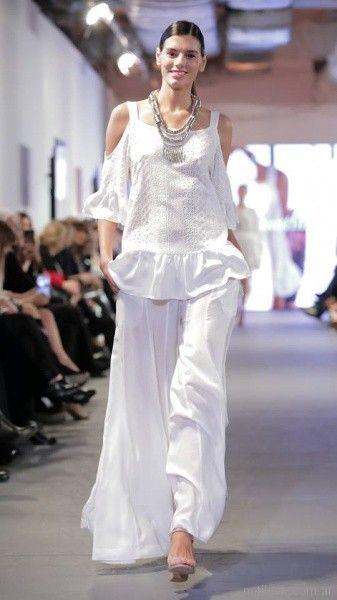 blusa casual con recorte en hombros señoras Adriana Costantini verano 2018