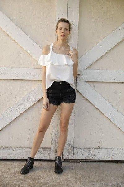 blusa con volados y hombros descubiertos Riffle Jeans primavera verano 2018