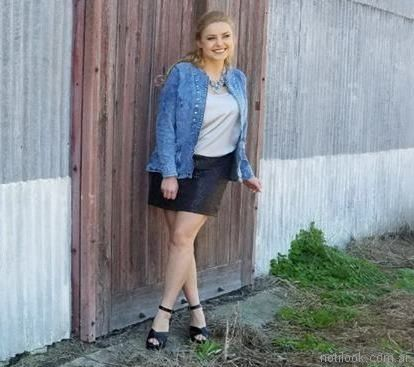 falda corta y camisa de jeans - moda en talles grandes Portofem 2018