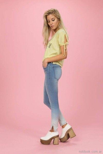 jeans con gastados y remera mangas cortas abiertas Tabatha Jeans verano 2018