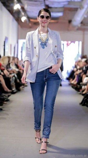 look con jeans para señoras Adriana Costantini verano 2018
