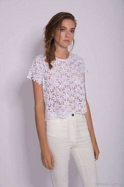 blusa blanca de microtur bordado Mancini primavera verano 2018