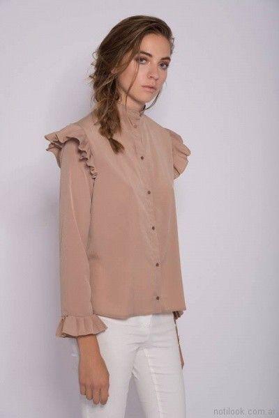 camisa de seda con volados en mangas y hombro Mancini primavera verano 2018