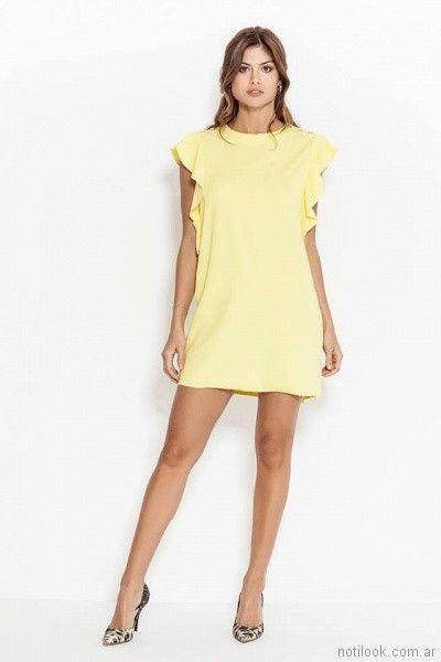 vestido corto amarillo con volados laterales Activity Pret a Porter primavera verano 2018