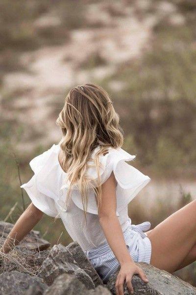 blusa con volados en mangas y short a rayas Uvha verano 2018