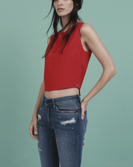 jeans con apliques y roturas Oassian primavera verano 2018