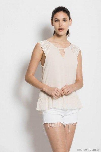blusa de gasa y puntilla Sans Doute verano 2018