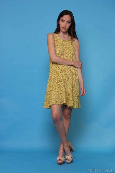 vestido corto de fibrana estampada Destino Collecction verano 2018
