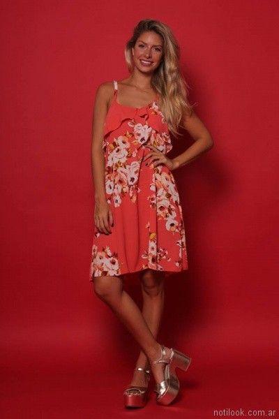 vestido rojo con flores Destino Collecction verano 2018